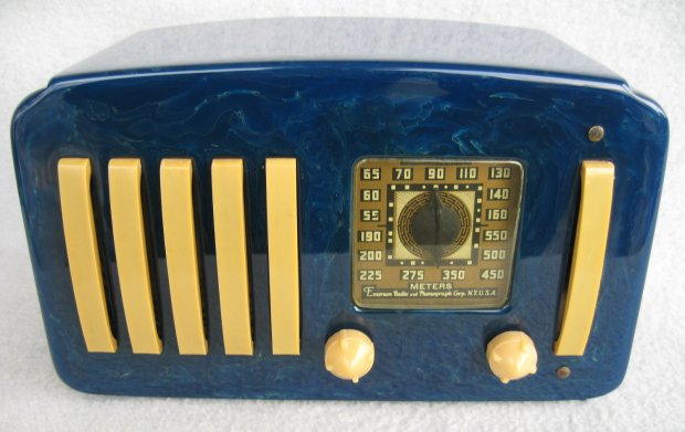 Bakelite Radio Case