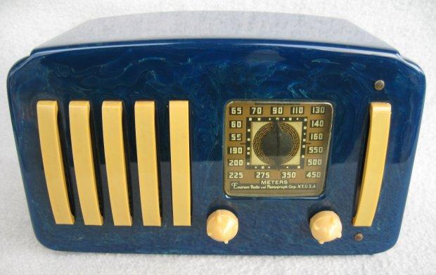 Bakelite Radio Case
